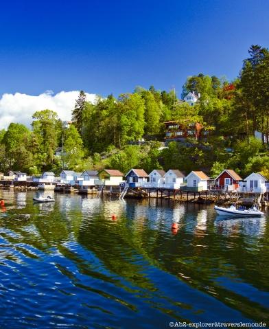 Fjord - petites maisonnettes