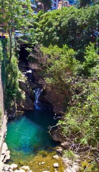 Grotte dans la ville de Camogli