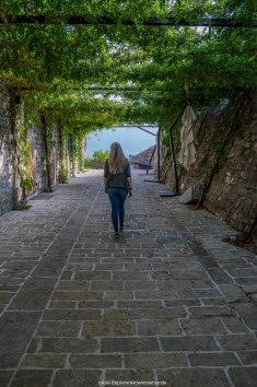 Budva - chemin dans la citadelle